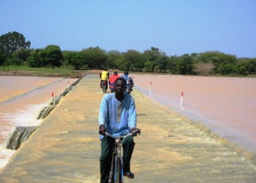 Water-spreading weir river crossing, also known as seuil-radier (credit Bender)